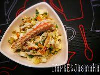 IMPRESJA smaku...: Sałatka z wędzonej ryby. Zaskakująca sałatka z węd...