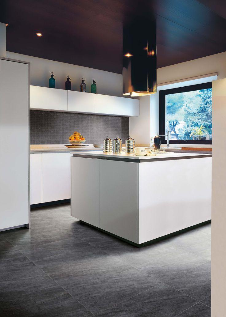 Per il pavimento di questa cucina è stato scelto il colore Energy della nostra Collezione A.I.R    http://www.supergres.com/your-home/cucina/item/51-air  #Gres #Tiles #FloorTiles #CeramicsOfItaly #Kitchen #Cucina