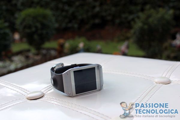 Samsung Galaxy Gear, cosa (non) possiamo fare davvero