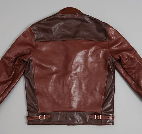 Hickoree's A-1 Moto Jacket is inspired by an early 1920s US Air Force flyer's jacket prototype that eventually developed into the Type A-1 flight jacket officially issued in November of 1927.