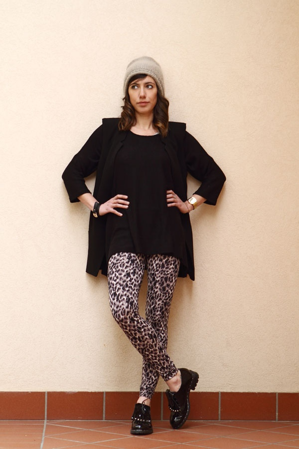 Leopard print leggings <3 http://karenpozzi.blogspot.it/2013/03/leggings-leopardati-e-scarpe-con-le.html