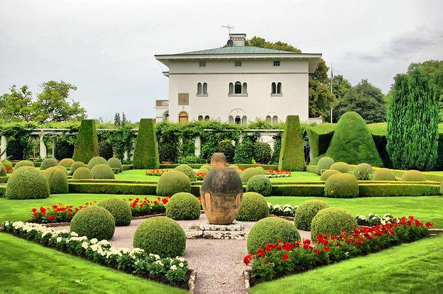 Solliden, the Swedish royal summer residence, on Öland, Sweden by Lars-Ove Törnebohm
