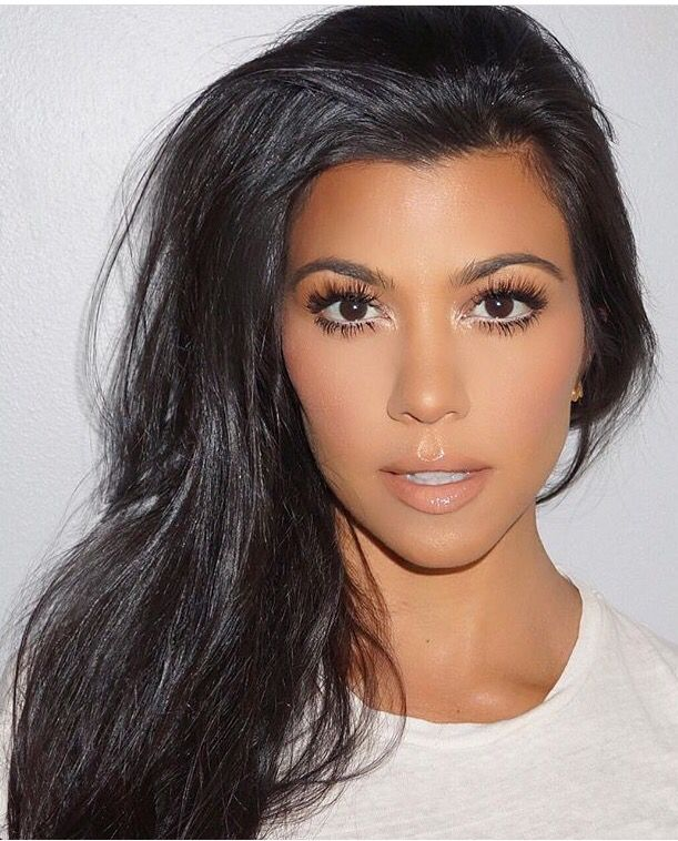 Kourtney Kardashian makeup, natural makeup