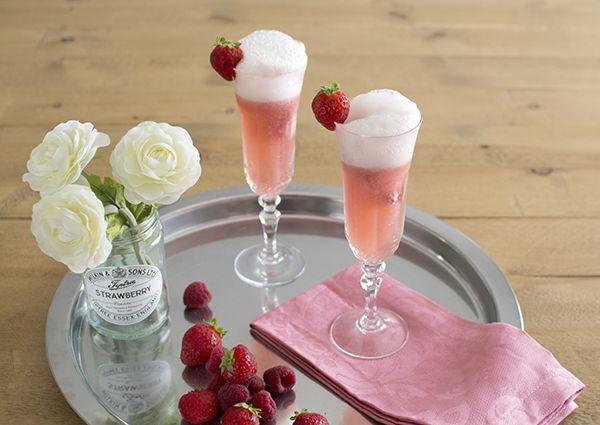 Raspberry icecream and champagne float - Float de champagne con helado ...
