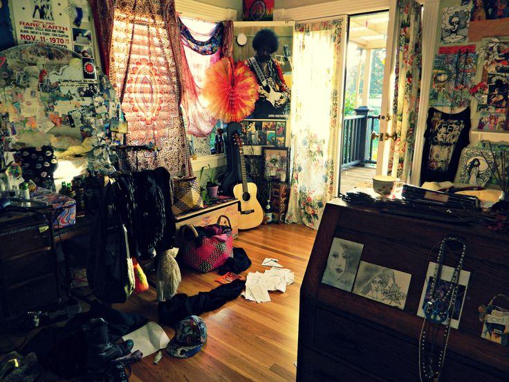 Cozy hippie room