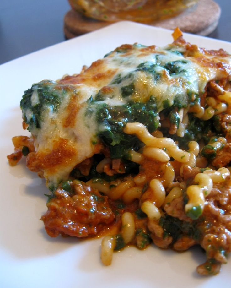 Küchenzaubereien: Spinat - Nudelauflauf mit Hack
