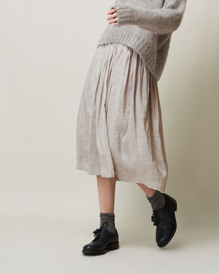 LINEN SILK SKIRT | Finely pleated skirt in a textured, lustrous, linen/silk matka
