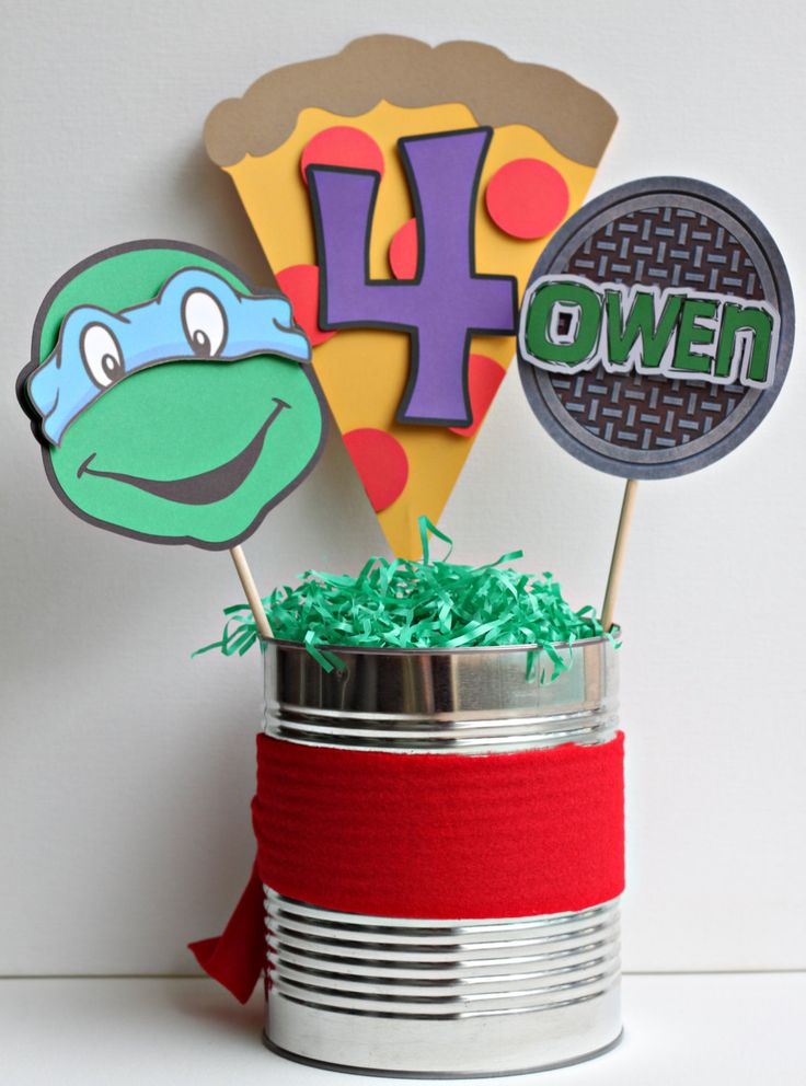 Cute centerpiece for your ninja turtle birthday party!
