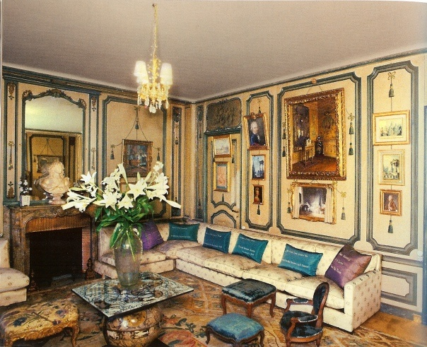 THE BANQUETTE ROOM DESIGNED BY ELSIE DE WOLF AT THE VILLA TRIANON, THIS LARGE ROOM CONNECTED WITH HER TINY BEDROOM.