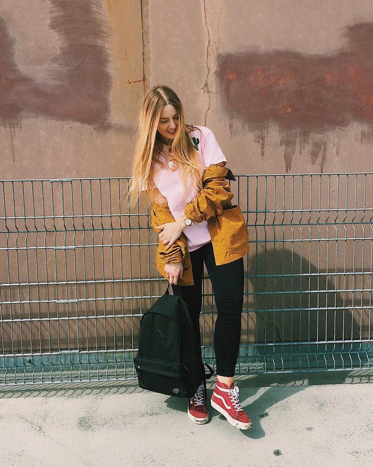 vansgirls, parkland backpack, streetstyle, skate, surf, boyish look - Sieh dir Instagram-Fotos und -Videos von polgi. (@horstintheforest) an