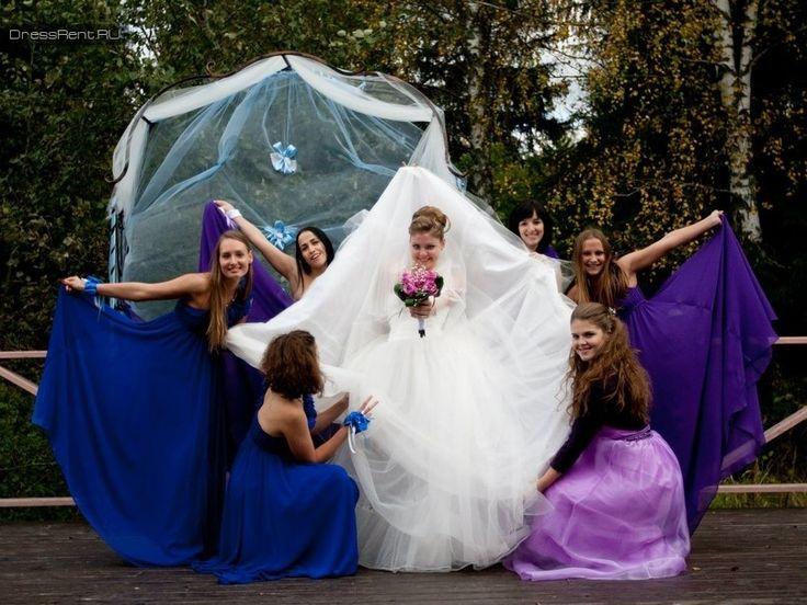 Подружки невесты синие и лиловые платья