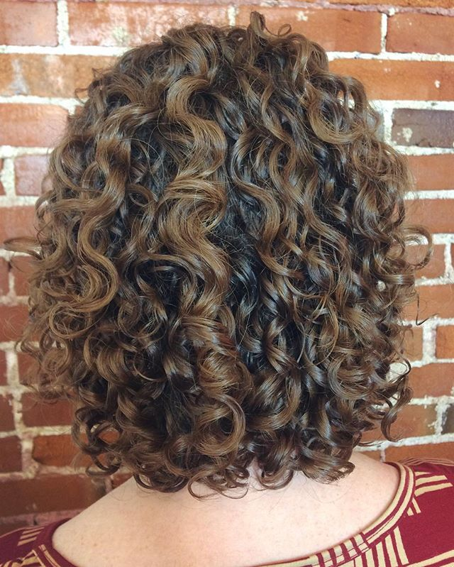Cara recently moved from St. Louis to Colorado and still comes to see me for haircuts.  I am honored. #CurlsByCassSTL #curlycut #chopshopstyle #thegrovestl #stlsalon #devacurl #stlouisgram #exposedbrick #naturallycurlyhair #curlyhair #hairoftheday #wavycurls  #loveyourcurls #wavy #wavehello #curllove #hairstl #hairstyliststl #wavycurlyhair #devacurl #wavyhair  #wavycurly  #balayage #naturallywavy #hairbrained #hairstlouis  #stlgram  #instlgram