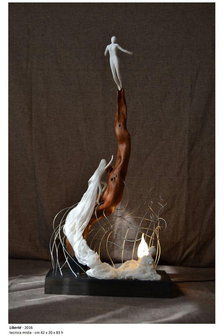 'libertè' lampada in legno ferro cotone e cartapesta
