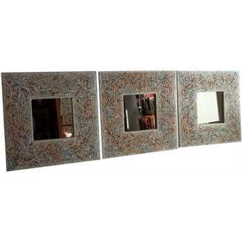 """""""Triplo"""" Cornici in legno decorate a mano, con specchio bronzato. Di piccole dimensioni ciascuna, insieme formano un' idea di arredamento per il living room, per un disimpegno creativo o anche come testata del letto. Misure e colori anche su richiesta diversi."""