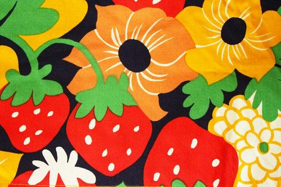 Vintage Mansikkapaikka cotton by Fin-Helen