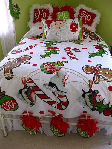 Frost & Friends 2009 036... I would love to decorate the kids' rooms like this for the Holidays.