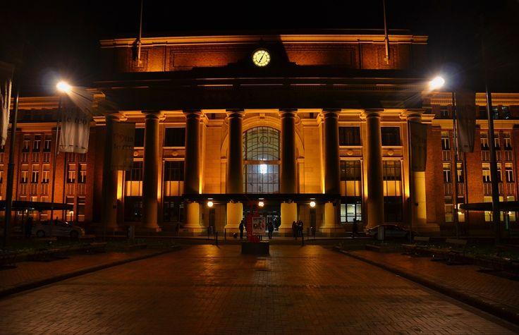 Wellington Rail way Station by night