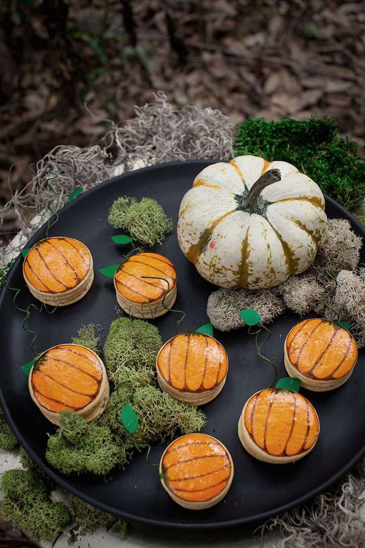 238 best Halloween images on Pinterest