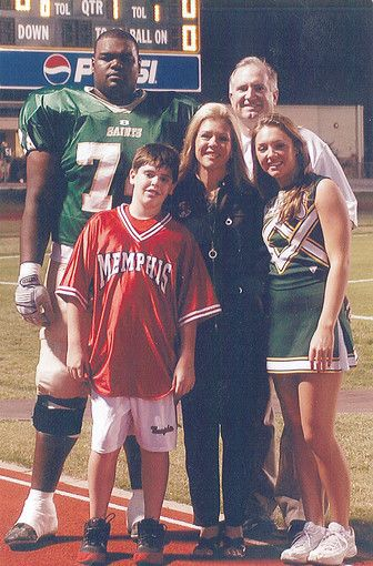 michael oher and collins tuohy relationship help