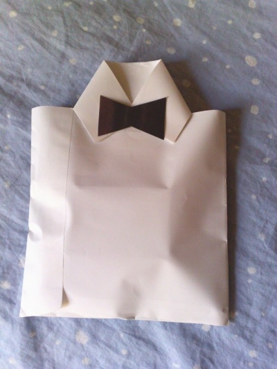 diy tux collar envelope for presents..