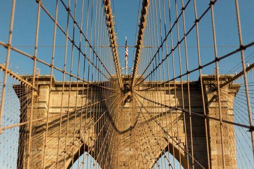Pont de Brooklyn   Image gratuite sur Pixabay: https://pixabay.com/photo-1031571/    ¤¤    #pont suspendu#pont#bridge#géométrie#geometry#treillis#architecture