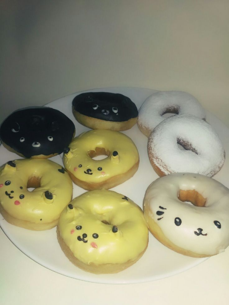 spesial donut for my friend .. pikachu design.. i think its ok for begginer.  hahahha