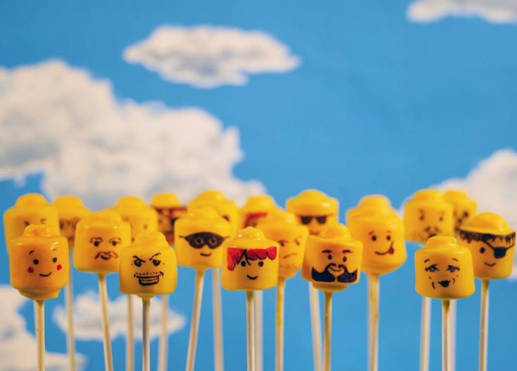 Minifigure heads