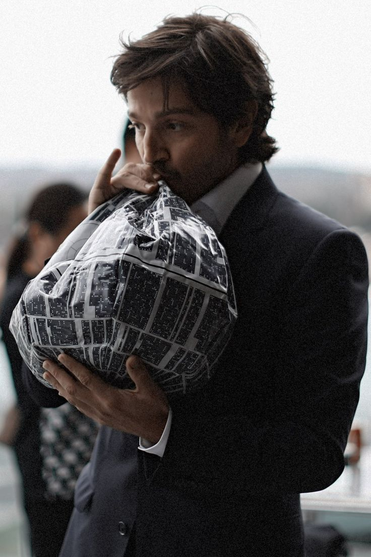 Diego Luna|Star Wars|Rouge One!                                                                                                                                                     More