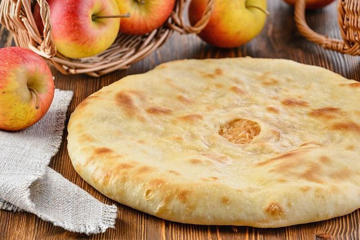 Осетинский пирог с яблоками и корицей (Фэдкуджын)