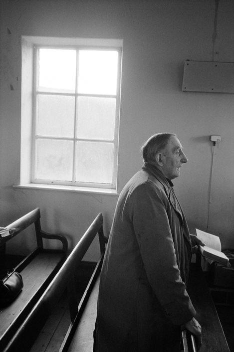 © Martin Parr/Magnum Photos GB. England. West Yorkshire. Hebden Bridge. Crimsworth Dean Methodist Chapel. Charlie Greenwood singing Hymms in the chapel. 1976.