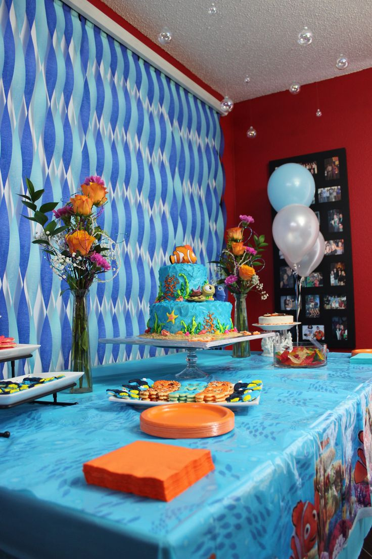 Cake dessert table decorations finding nemo theme party for Dekoration fur babyparty