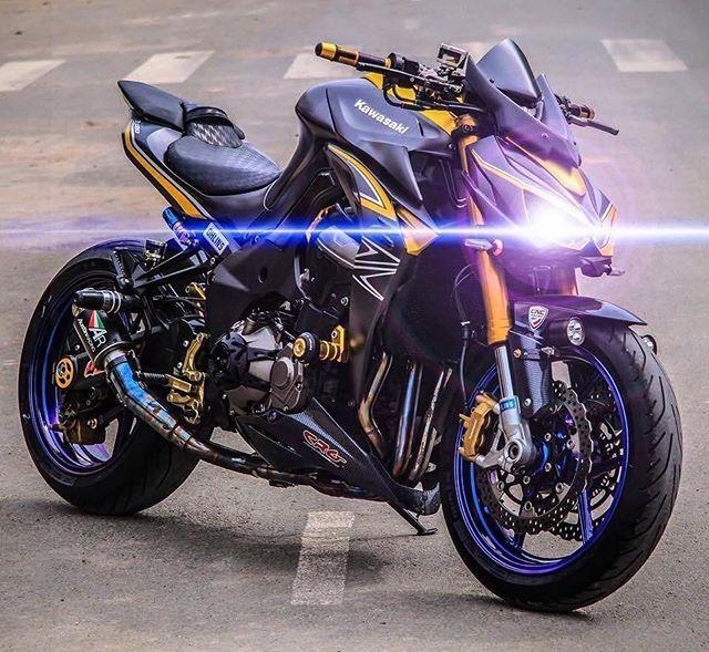 Mean AF! | Kawasaki Z1000 @KawasakiUSA #BWL #BikesWithoutLimits #Kawasaki #Z1000