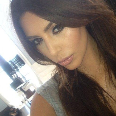 Black linerBlack Liner, Beautify Makeup, Messy Hair, Famous People, Her Kimkardashian, Beautiful Women, Kim Kardashian Makeup 2014, Beautiful Kim, Kimkardashian 3