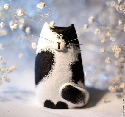 Статуэтки ручной работы. Ярмарка Мастеров - ручная работа. Купить Статуэтка кот / кошка чёрно-белый. Handmade.