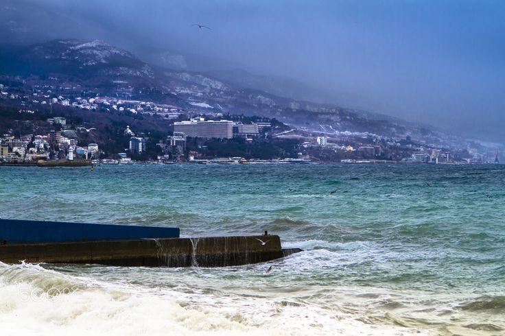 Зимний шторм - Ялта в январе Ялта - город счастья!