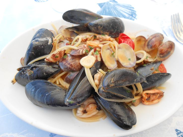 Spaghetti with Seafood (clams and mussels) in Capri Italy