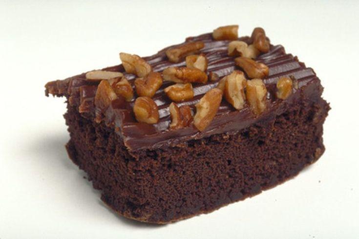 Límite diario de carbohidratos en una dieta diabética. Los carbohidratos afectan a los niveles de azúcar en la sangre más que las proteínas y las grasas. Tu cuerpo es fácilmente capaz de convertir ciertos tipos de carbohidratos en glucosa, principalmente el azúcar y el almidón. La fibra, que se ...