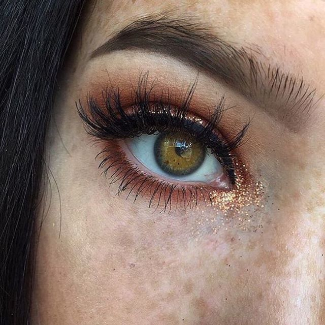 So pretty, I love how it isn't as perfect as lots of other peoples makeup on pinterest it looks more natural and I think more beautiful |♡♢