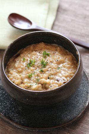 炊いた玄米を使って10分で作れるポルチーニの玄米クリームリゾット。
