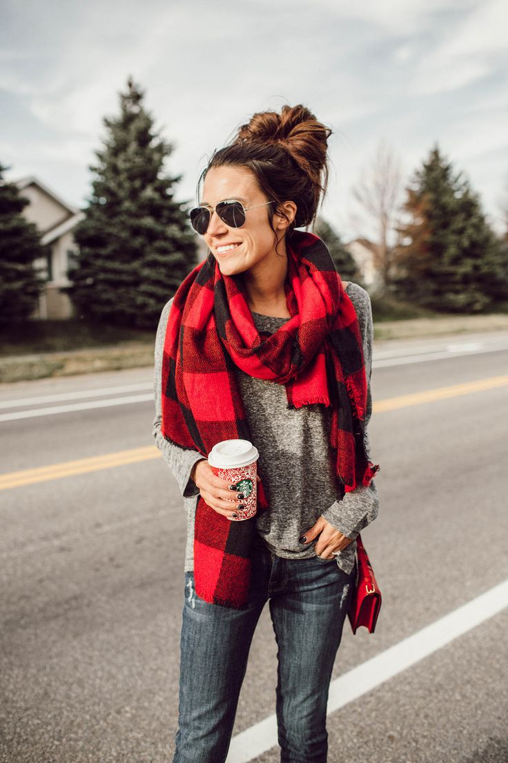Buffalo scarf + aviators.