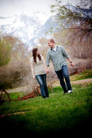 couple walking: Engagement Photographs, Photo Ideas, Engagement Couple Photo, Engagment Photos, Engagement Photos, Engagement Wedding Ideas, Engagement Picture, Engagement Photography