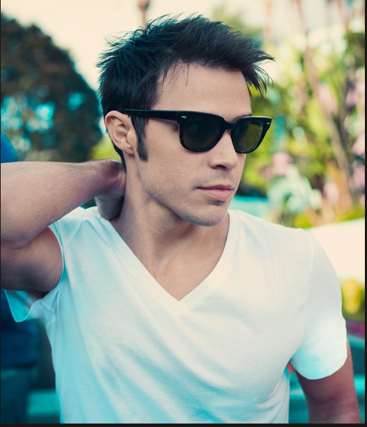 Kris Allen, you'll always be the hottest and cutest American Idol for me. <3