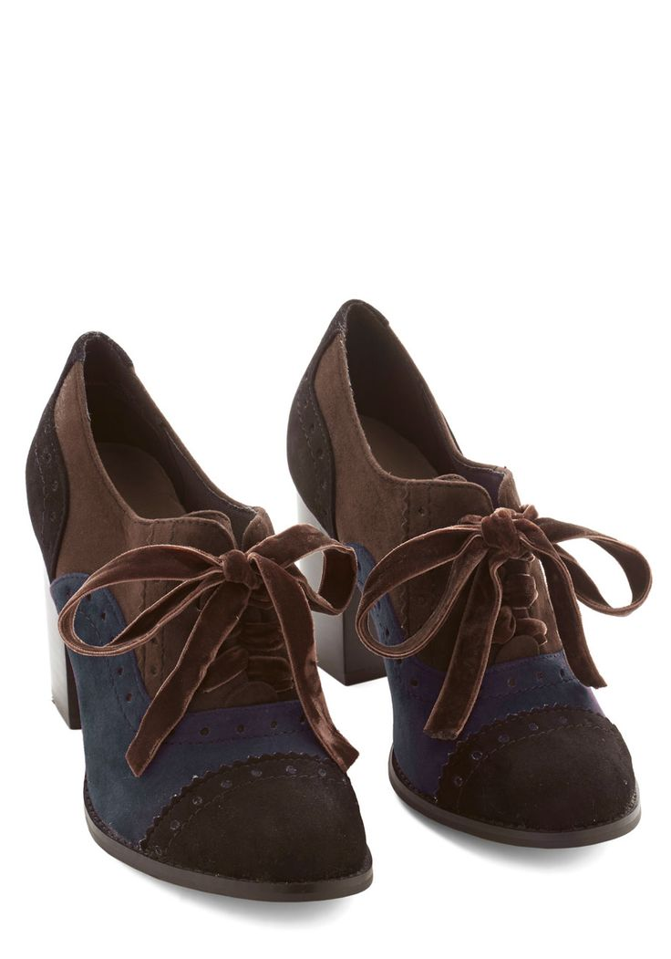 That's So Maven Heel. An expert on all things retro, youre completing a vintage-inspired look with these Oxford heels! #brown #modcloth