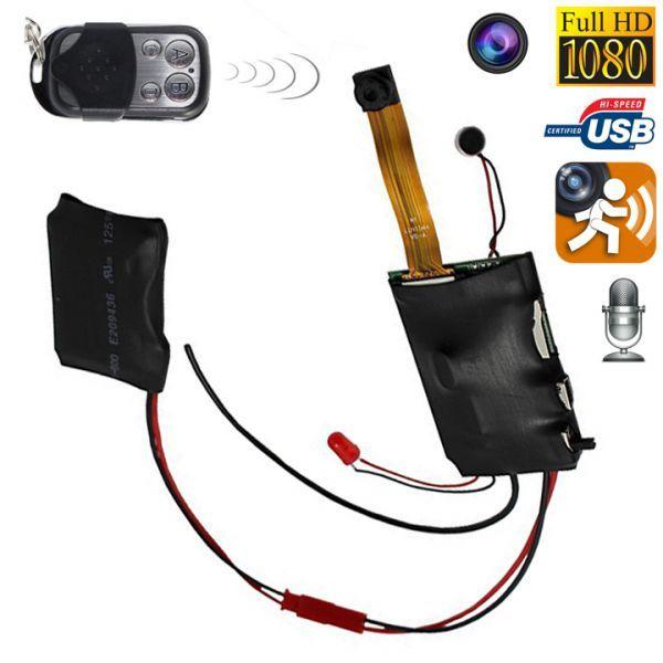 Mini caméra espion HD 1080P télécommandée à détecteur de mouvement. http://www.yonis-shop.com/mini-camera/2661-camera-miniature-telecommandee-prise-de-video-a-distance-sans-fil-noir.html