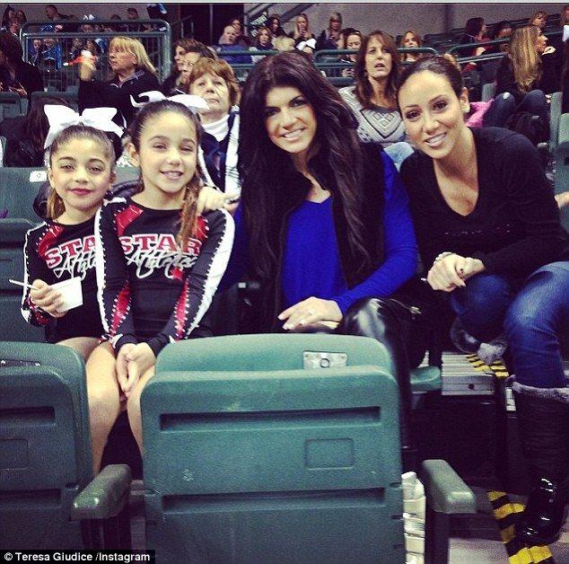 teresa giudice melissa gorga   Family at last: Teresa Giudice and sister-in-law Melissa Gorga are all ...