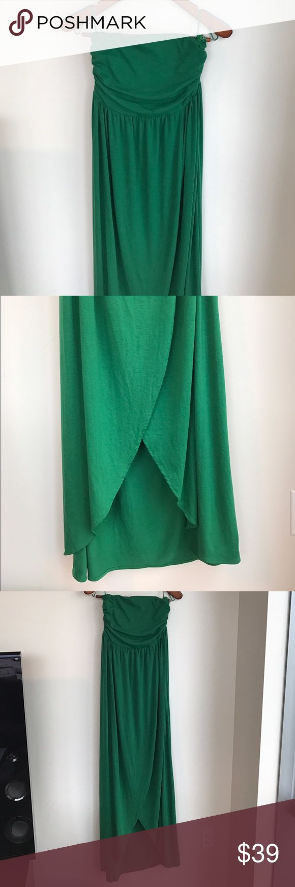 Hive & Honey - Green Strapless Tulip Dress, L NEW WITH TAGS!  This strapless maxi dress is a vibrant shade of Kelly green.  The skirt is a wrap style with a tulip hem that ends at the ankles.  Unfortunately, it's just a little too big on the top for me.  A bustier Posher will fill it out well and look gorgeous in this stunning soft jersey dress -- I'm a 36B for reference.  Let me know if you have any questions! Hive & Honey Dresses Maxi