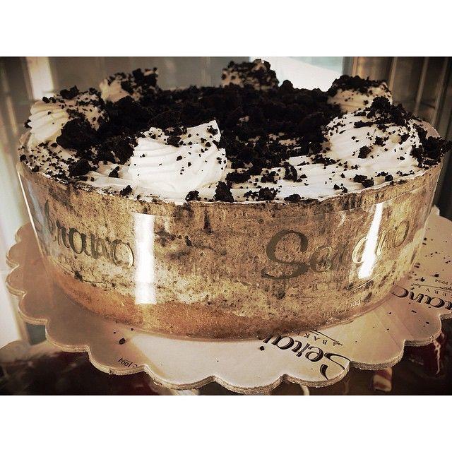 Oreo mousse cake!!! emoji #oreo #cookiesncream #cake #chocolate #cookie #greekbakery #Toronto #bakery