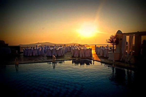 Sunset Wedding | Santorini   Keyhole View: Timeliness & Proper Lighting