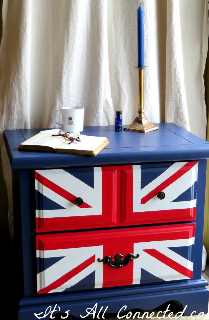 It's All Connected: Union Jack Side Table to go with my Tardis dresser