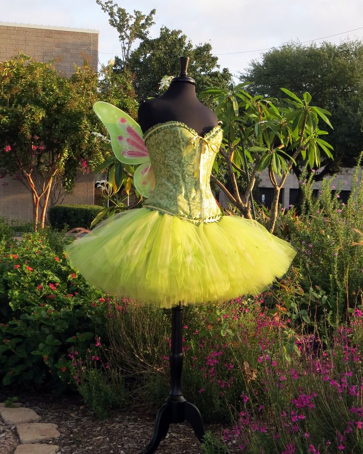 Adult Tinkerbell Halloween costume skirt. Halloween, costume, fairy costume, cosplay.  A beautiful tinker bell, lavishly full skirt. by SweetDreamsTutus on Etsy